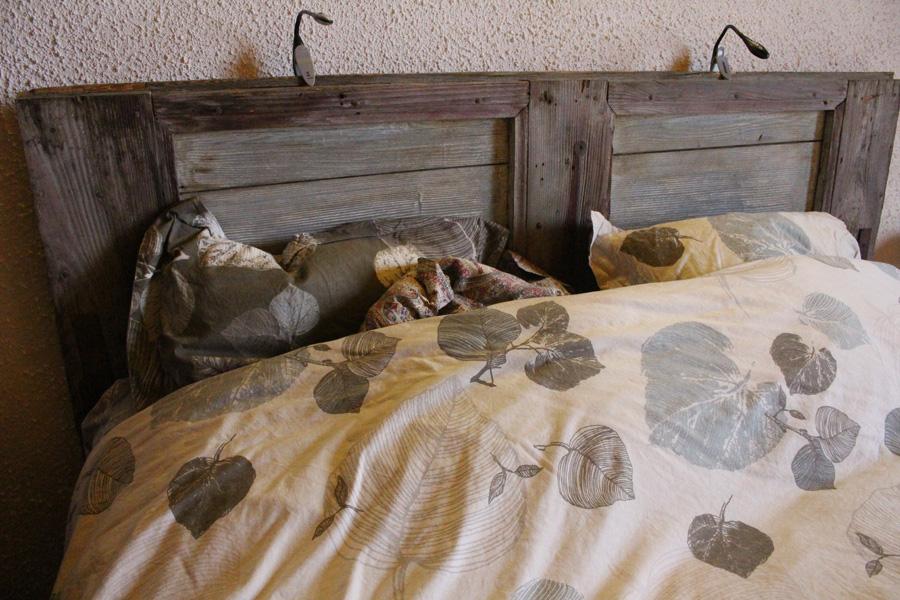 tête de lit vieux volets